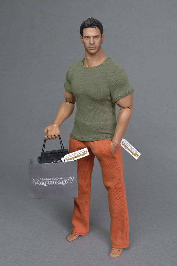 1 6 scale XXL T shirt and sweatpants tracksuit jogging bottoms on Hot Toys TTM 20 figure body 23.JPG