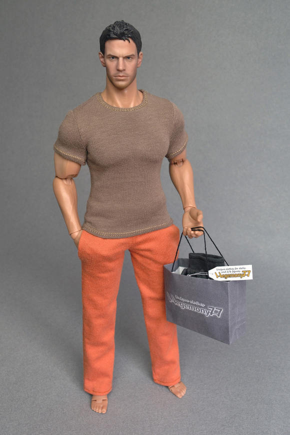 Hot Toys TTM 20 figure body in 1 6 scale XXL T shirt and sweatpants tracksuit jogging bottoms 23.jpg