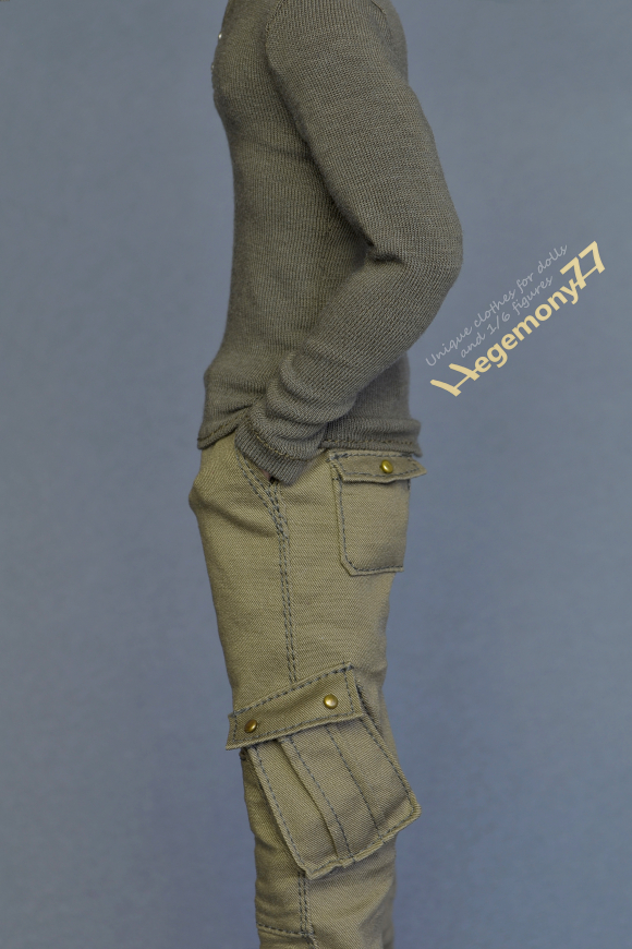 Longer 1 6 scale cargo pants on Fashion Royalty Homme male doll.JPG