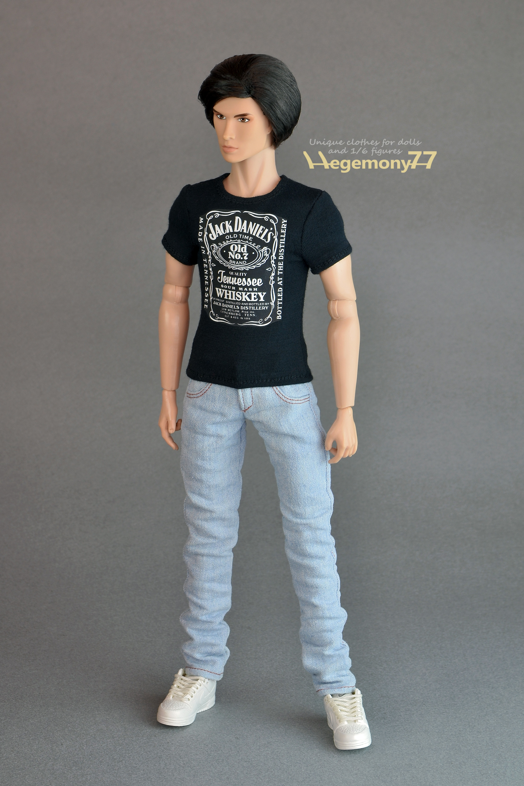 Black t shirt light blue jeans - Fashion Royalty Homme Male Doll In Custom T Shirt And Blue Jeans Pants Jpg